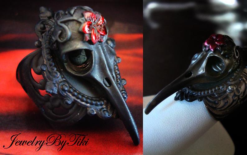 血の花と頭蓋骨、ゴシック様式ハチドリスカル。ミネソタ州エイトキンのショップから。